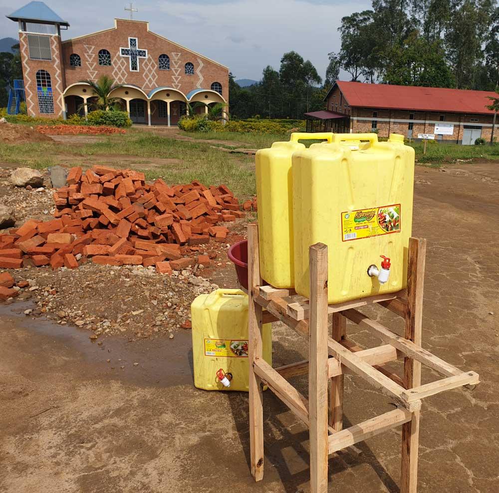 Lavage des mains systématique au Rwanda même en milieu rural