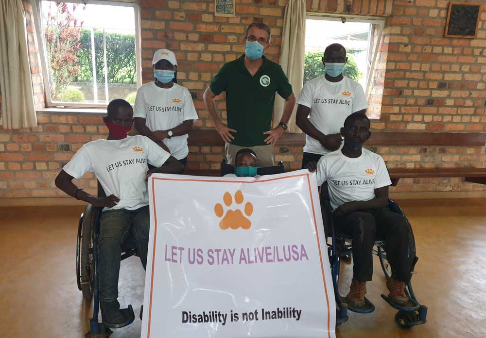 Les équipes et les bénéficiaires de LUSA Let Us Stay Alive