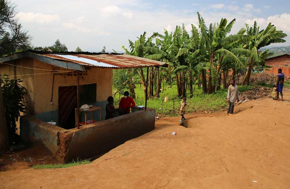 Le commerce de Marie en périphérie de Kigali