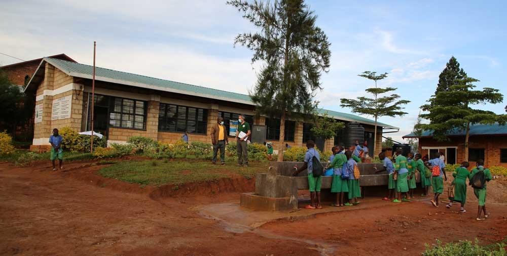 L'école se trouve dans le district de Gakenke